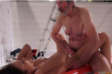Brandi szeretik a leszbikus pornót