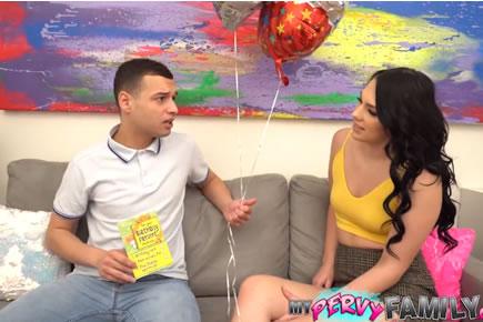 Családi szex HD pornó - Natana Brooke
